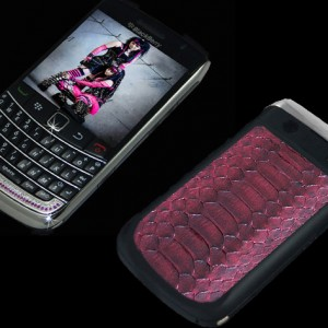 Diamond Blackberry 9700 Bold II Shocking Pink
